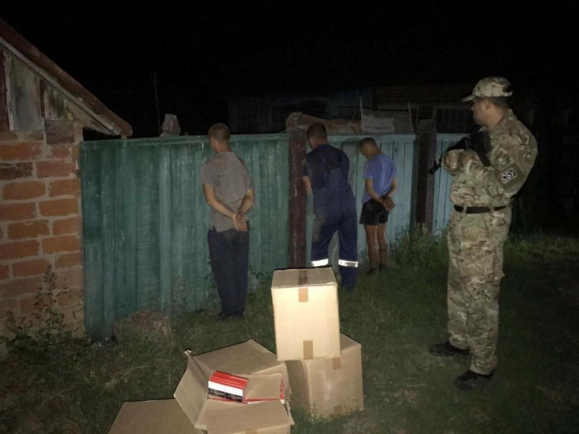140 ящиків цигарок завезли контрабандисти з Росії на Сумщину, фото-1