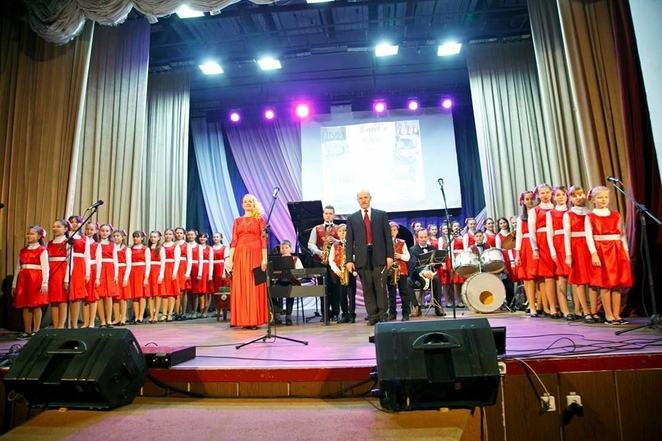 Для конотопців виступали учні та педагоги музичної школи №1, фото-2
