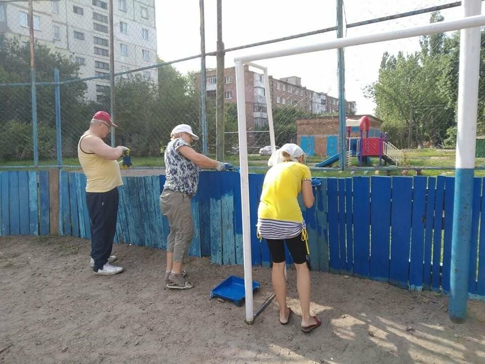 У Конотопі ремонтують спортивні майданчики на Клубній, фото-5