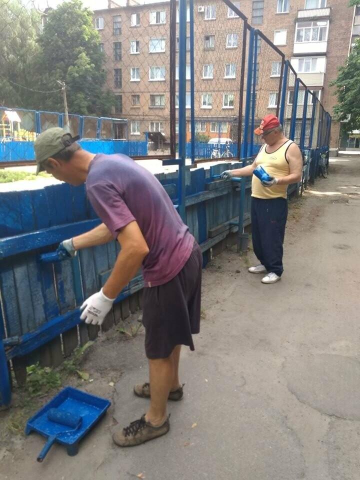 У Конотопі ремонтують спортивні майданчики на Клубній, фото-7