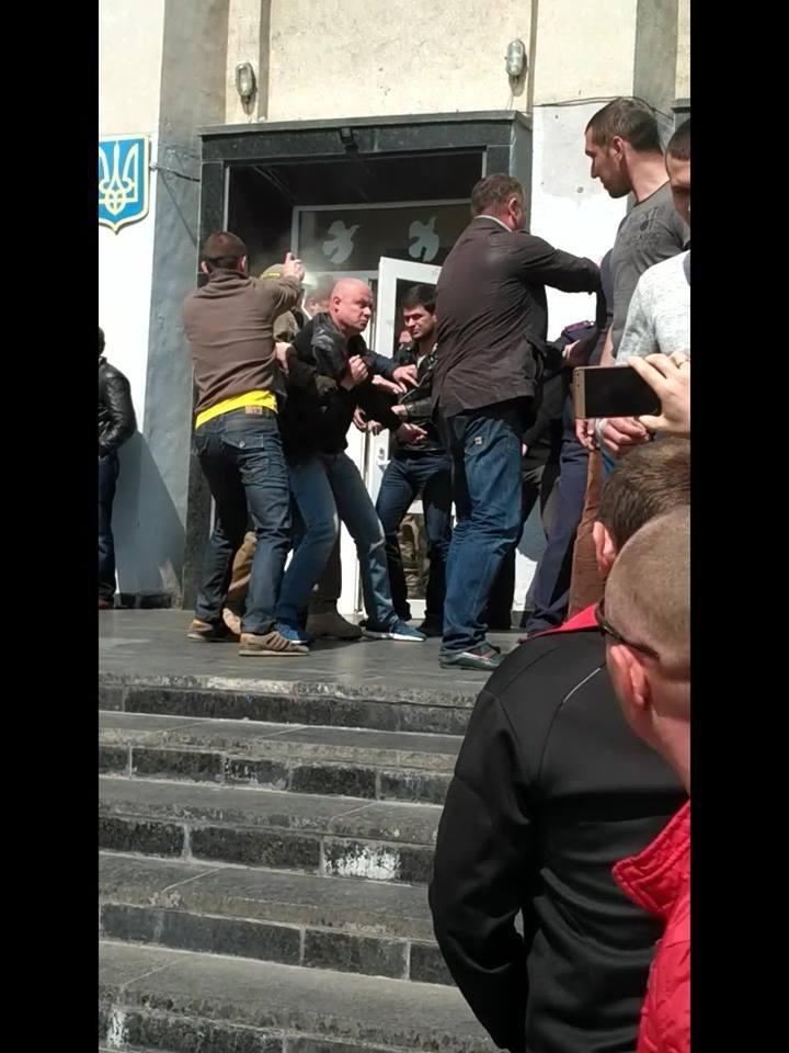 Конотопські поліціянти розшукують свідків подій 16 травня, фото-1