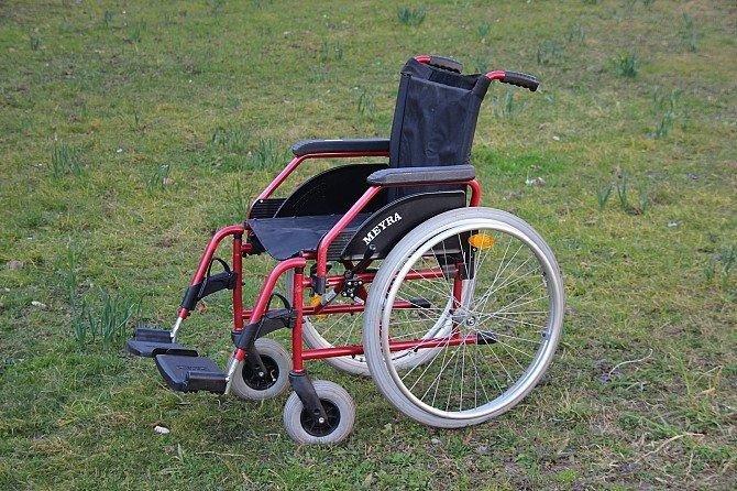 Конотопські інваліди отримали в дарунок підйомники та спеціальне обладнання, фото-2