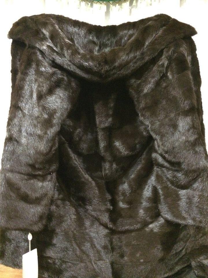 Сумські митники відібрали у жінки 14 шуб, фото-4