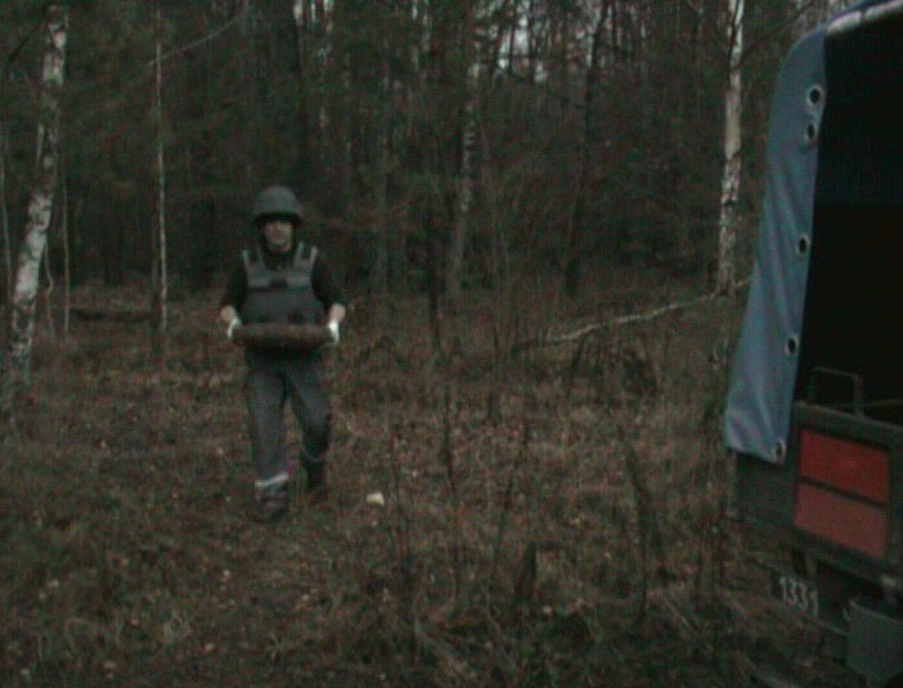 На Сумщині чоловік знайшов цілий склад боєприпасів, фото-3