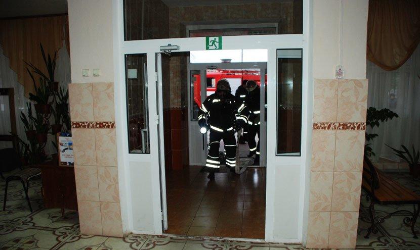 У Конотопській школі-інтернаті провели пожежно-тактичні навчання , фото-3