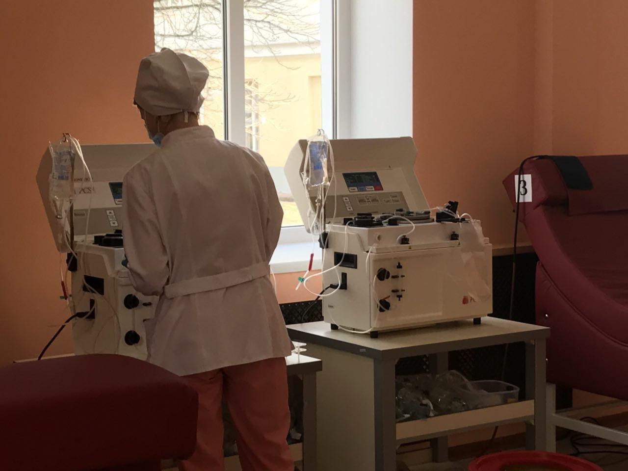 Мер міста Артем Семеніхін здав кров у новому донорському центрі, фото-4