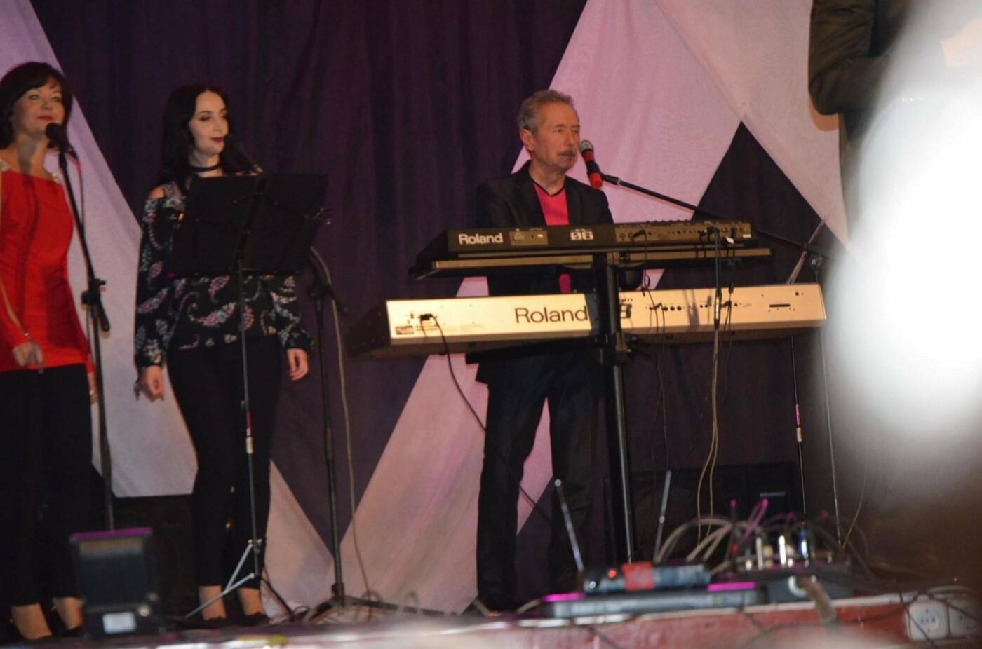 У Конотопі відбувся концерт гурту «SK»: зал аплодував стоячи, фото-3