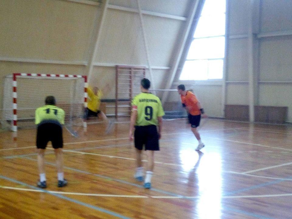 Конотопські гандболісти лідирують на відкритому чемпіонаті Сумщини, фото-4