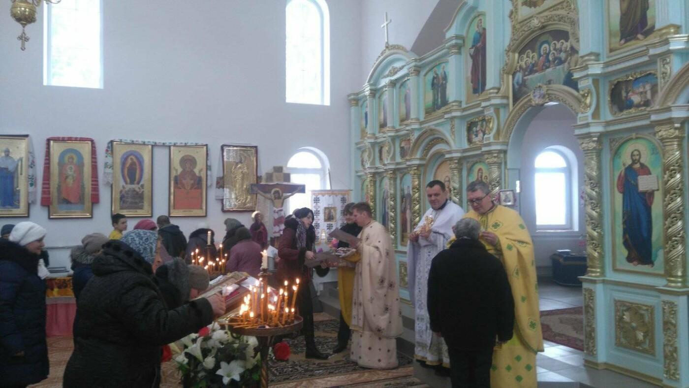 """Активісти """"Правого Сектору"""" відвідали храм в Сахнах, фото-3"""