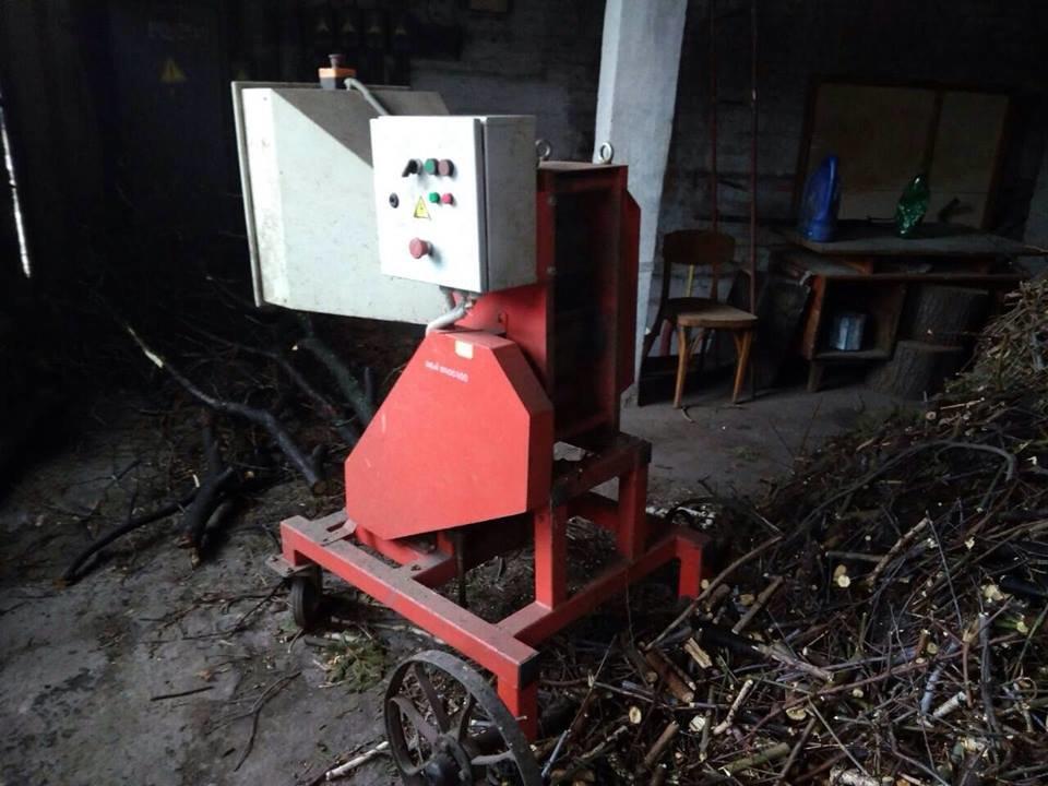 Задля економії конотопське трамвайне депо опалюють дровами, фото-1