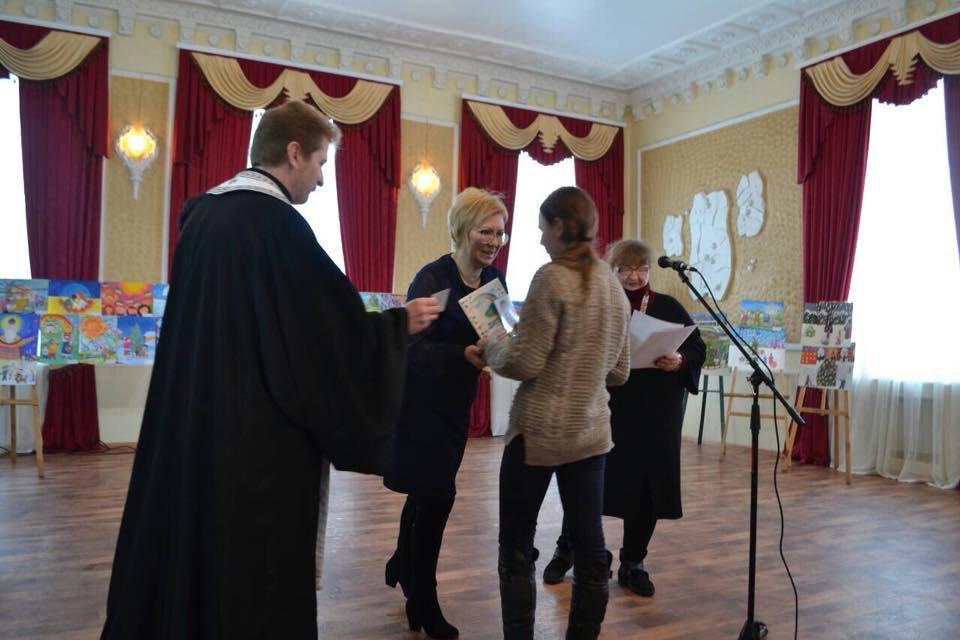Конотопська художниця отримала сертифікат на пільгове навчання у виші, фото-4