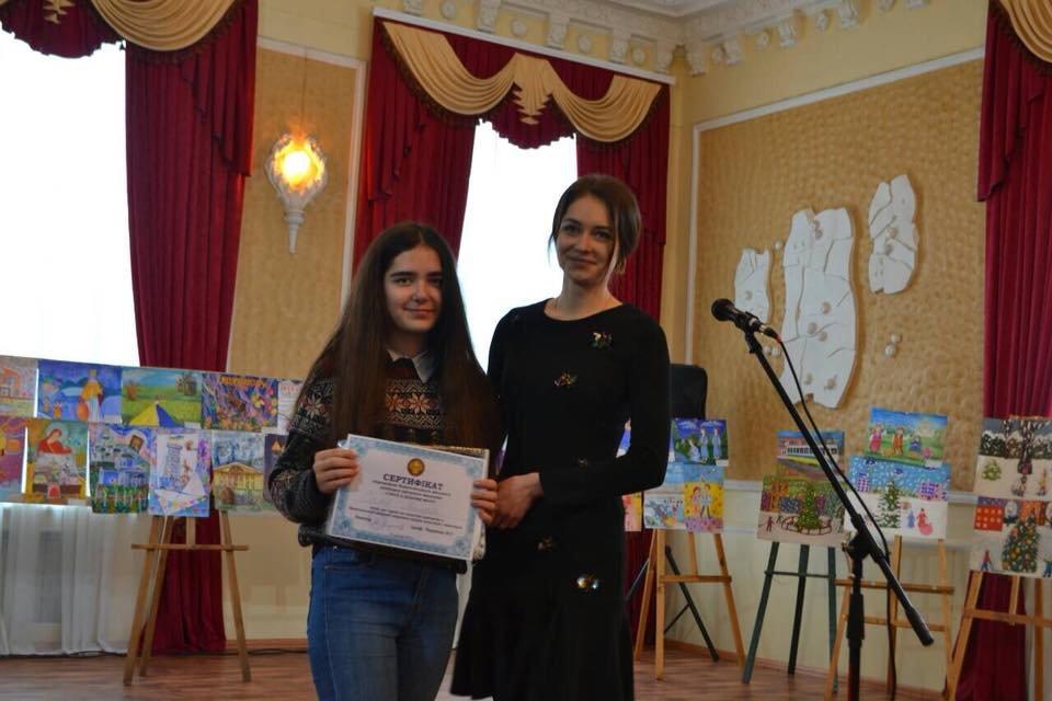 Конотопська художниця отримала сертифікат на пільгове навчання у виші, фото-2