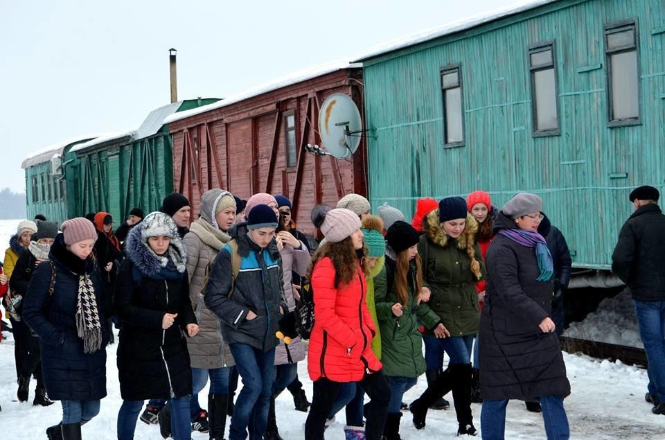 Конотопські учні відвідали меморіальний комплекс «Пам'яті Героїв Крут», фото-1