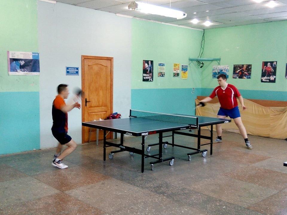 В Конотопі пройшов чемпіонат міста з настільного тенісу, фото-1