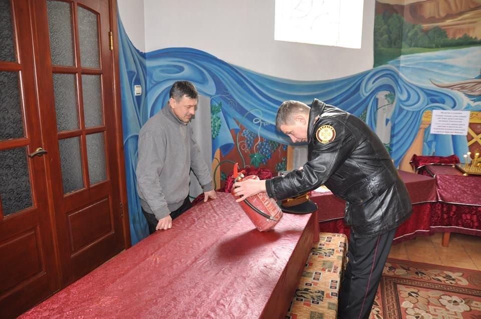Конотопським священикам пожежники розповіли, як поводитись з вогнем під час богослужіння, фото-2