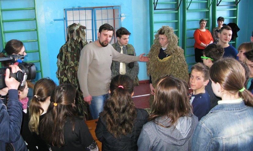 Конотопських дітей навчають поводитися зі зброєю, фото-1