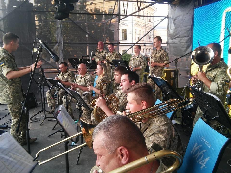 Військовий оркестр конотопської 58 ОМПБр підкорює столицю, фото-2