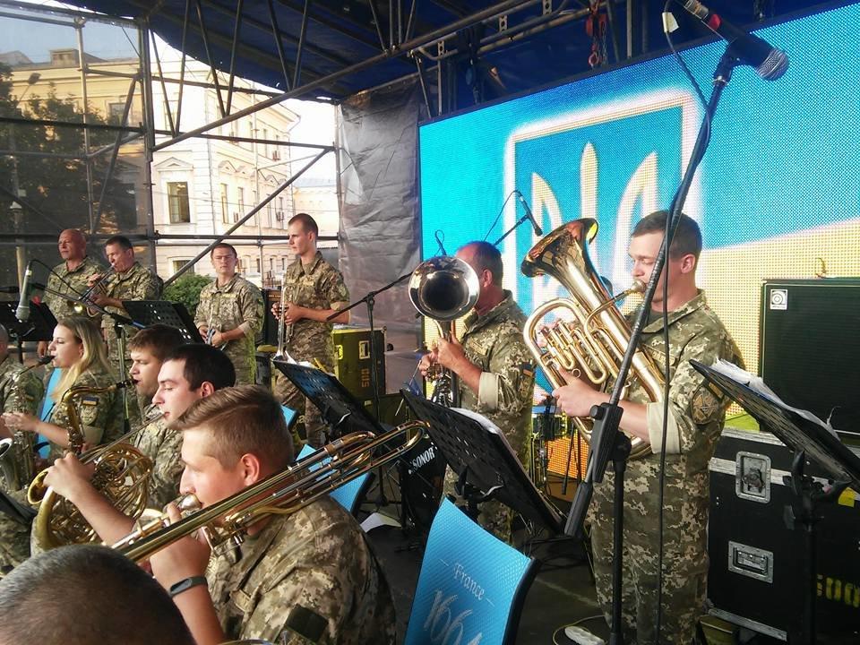 Військовий оркестр конотопської 58 ОМПБр підкорює столицю, фото-1