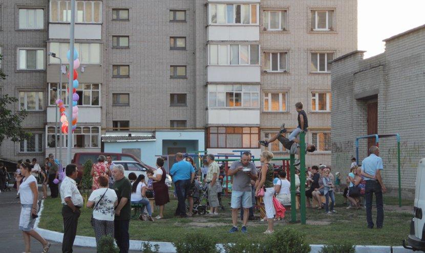 На річниці ОСББ у Конотопі виступав гурт «Dagger» з 58 ОМПБр, фото-3