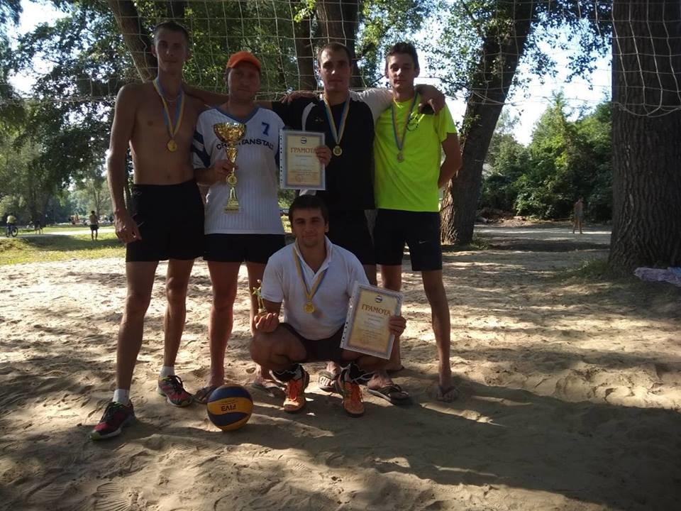 Конотопські спортсмени перемогли на змаганнях з пляжного волейболу, фото-1