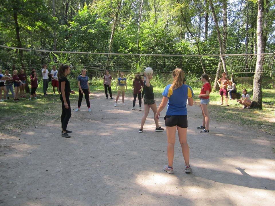 Між дитячими таборами «Мрія» та «Зорька» влаштували спортивні змагання, фото-2
