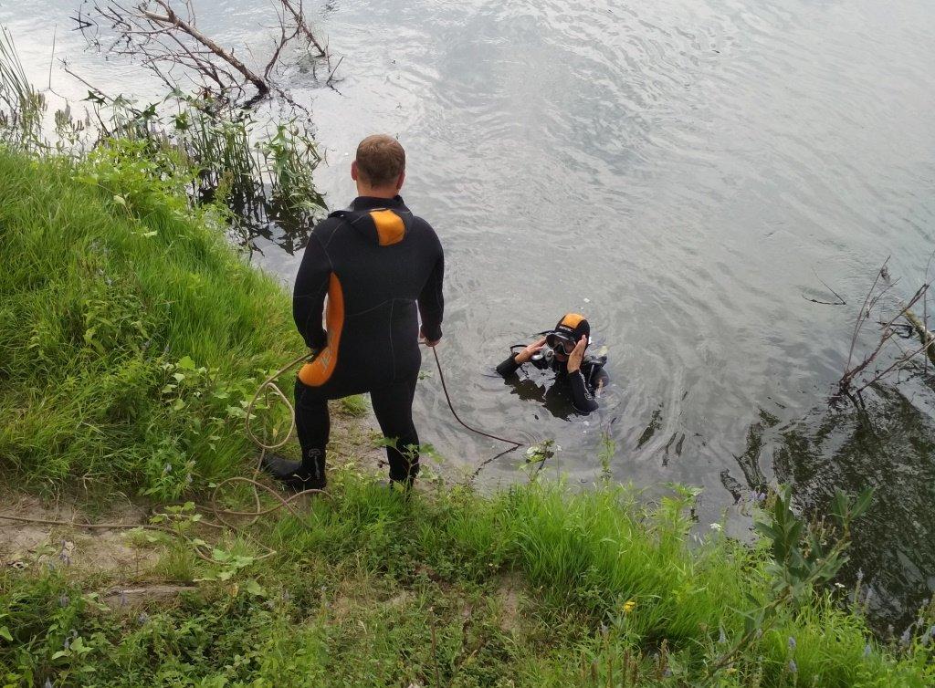 На Конотопщині з дна річки підняли 27 боєприпасів, фото-1