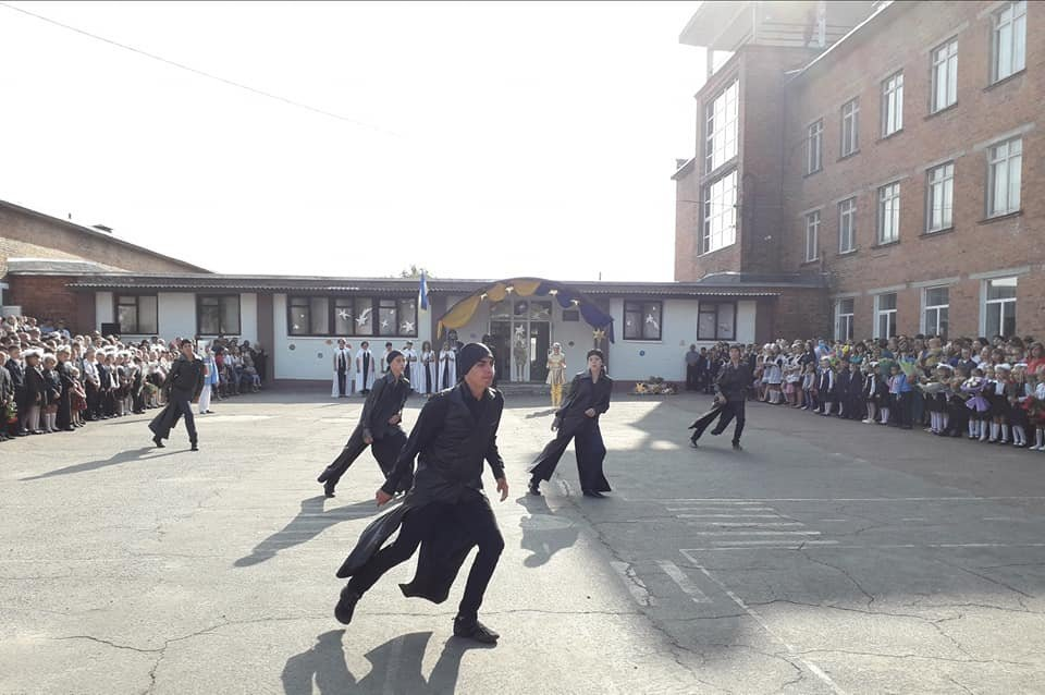 На Перший дзвоник у конотопську школу прийшов Дарт Вейдер, фото-2