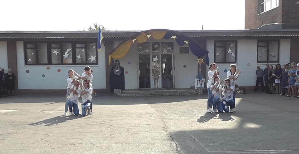 На Перший дзвоник у конотопську школу прийшов Дарт Вейдер, фото-3