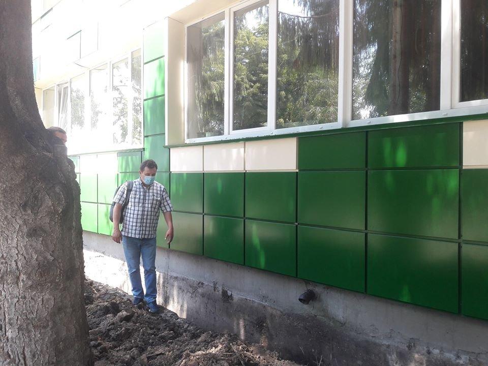 У Конотопі інспектували ремонт міської гімназії, фото-2