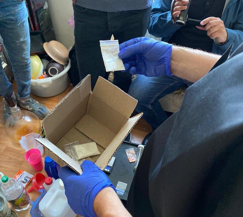 У Конотопі викрили нарколабораторію, фото-5