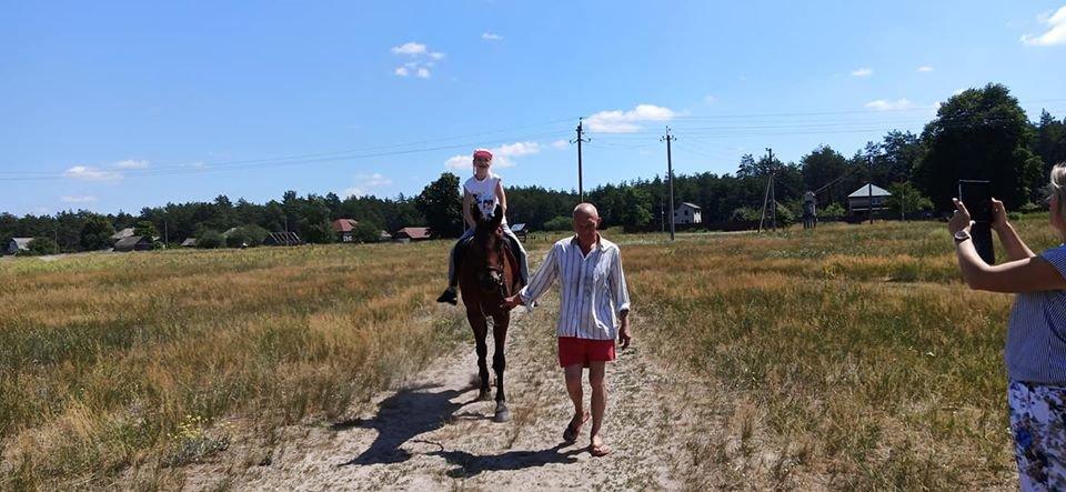 У Конотопі тяжкохворим дітям влаштували кінну прогулянку+ФОТО, фото-6