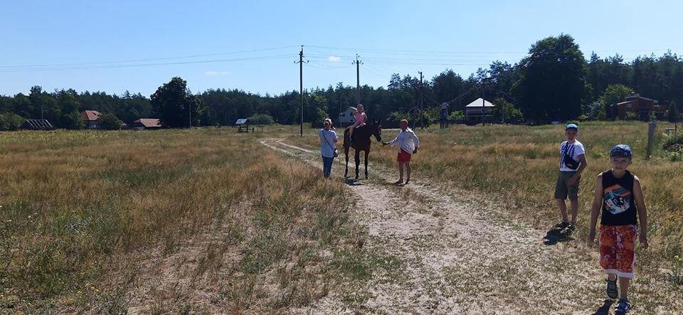 У Конотопі тяжкохворим дітям влаштували кінну прогулянку+ФОТО, фото-8
