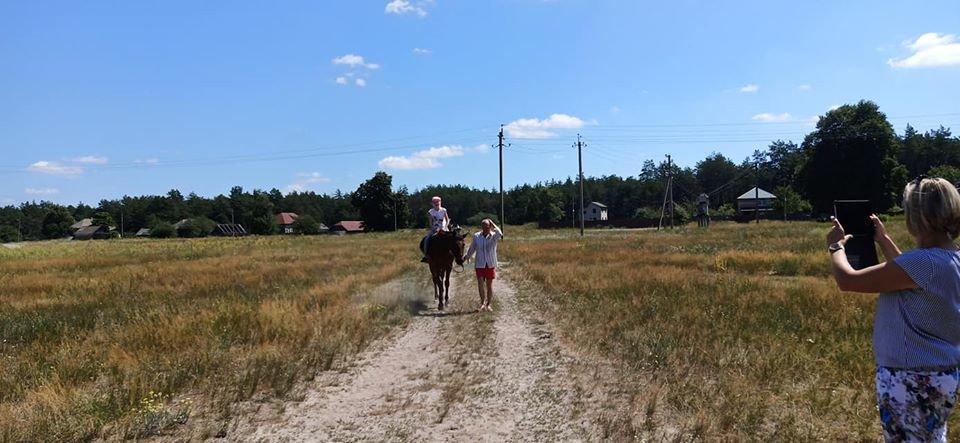У Конотопі тяжкохворим дітям влаштували кінну прогулянку+ФОТО, фото-7