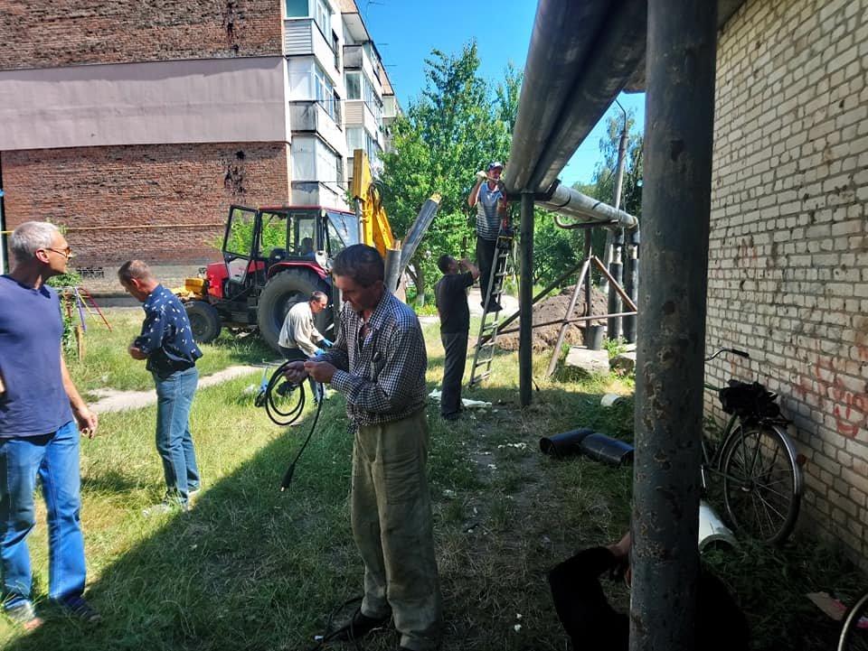 У Конотопі на вул. Клубній капітально ремонтують теплотрасу, фото-4