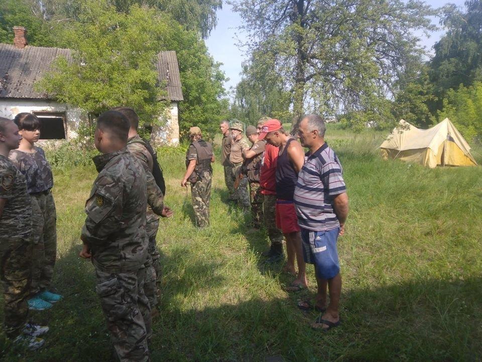 На Конотопщині для молоді провели козацьке таборування, фото-3
