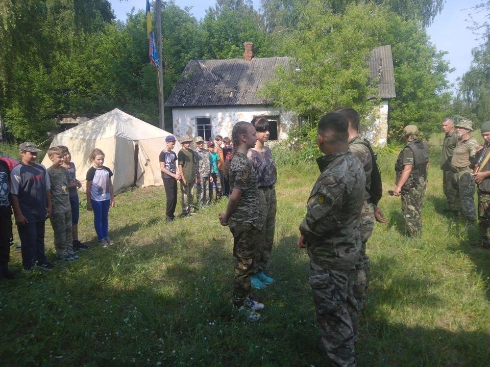 На Конотопщині для молоді провели козацьке таборування, фото-4