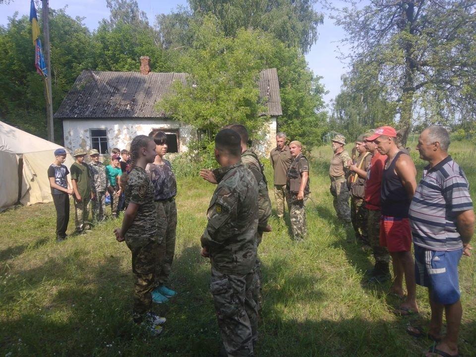На Конотопщині для молоді провели козацьке таборування, фото-7