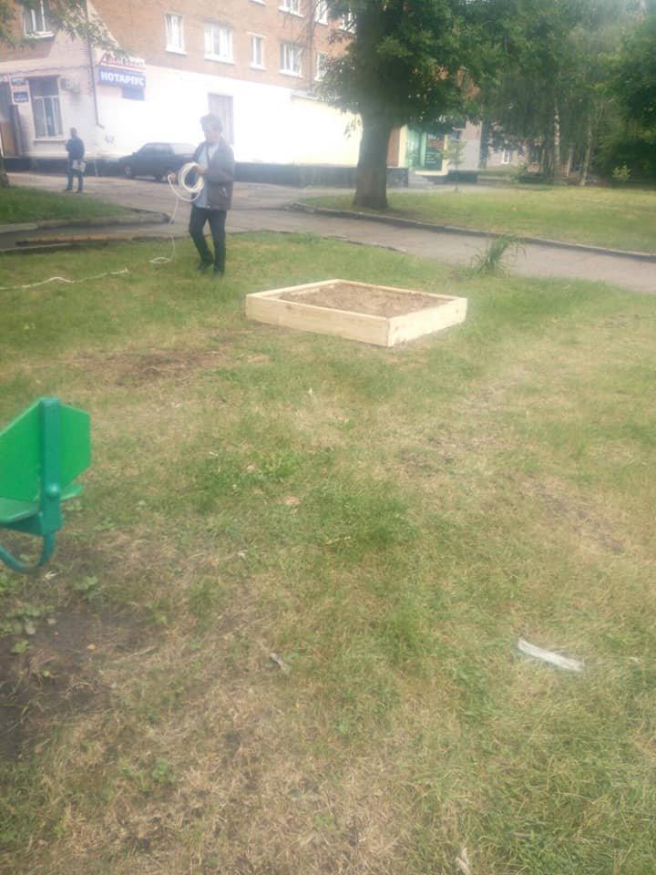 У Конотопі оновили дитячий майданчик на вул. Червоної Калини, фото-2