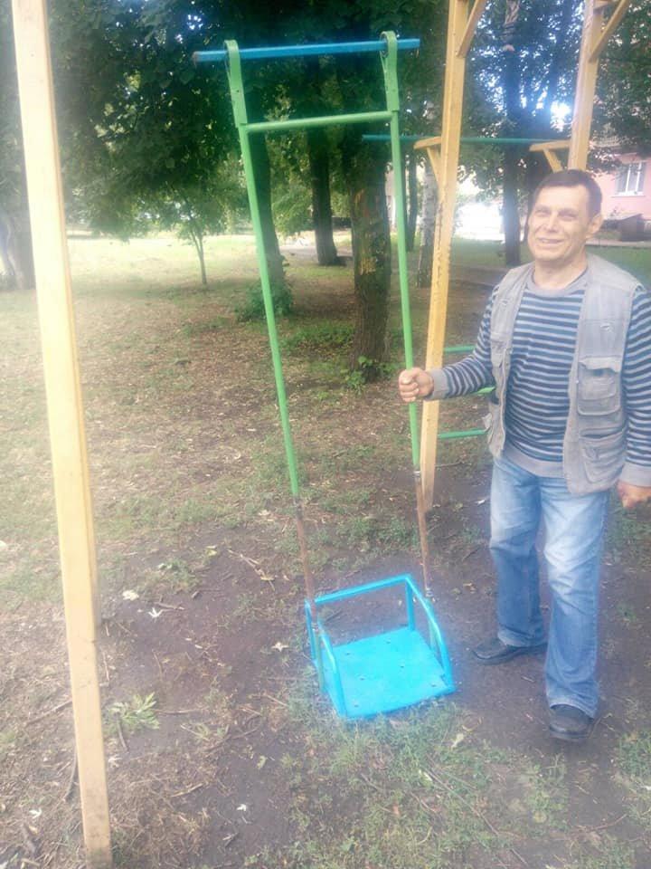 У Конотопі оновили дитячий майданчик на вул. Червоної Калини, фото-1