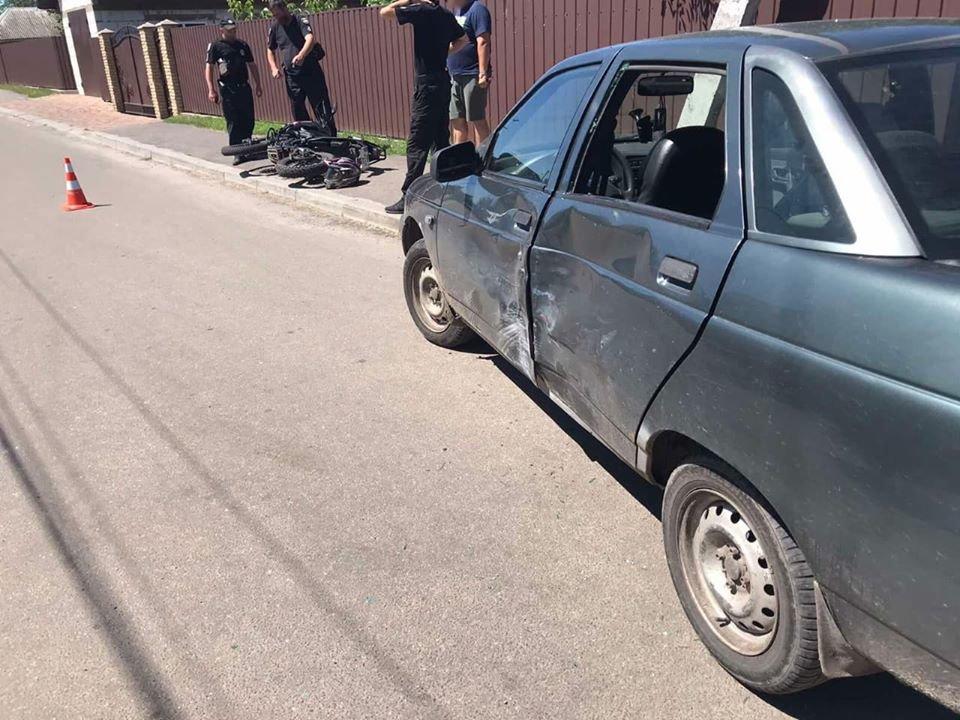 У Конотопі 14-річний підліток-мотоцикліст зіткнувся з авто, фото-4