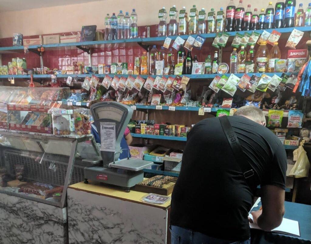 На Конотопщині перевіряють, як заклади торгівлі дотримуються карантину, фото-1
