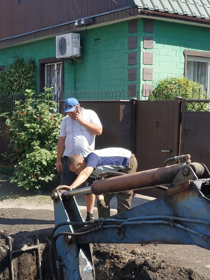 У Конотопі ремонтують водопровід на вул. Фізкультурній+ФОТО, фото-3