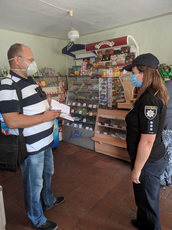 На Конотопщині перевіряли, чи носять маски в магазинах, фото-2