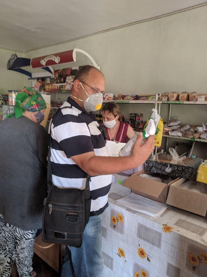 На Конотопщині перевіряли, чи носять маски в магазинах, фото-3