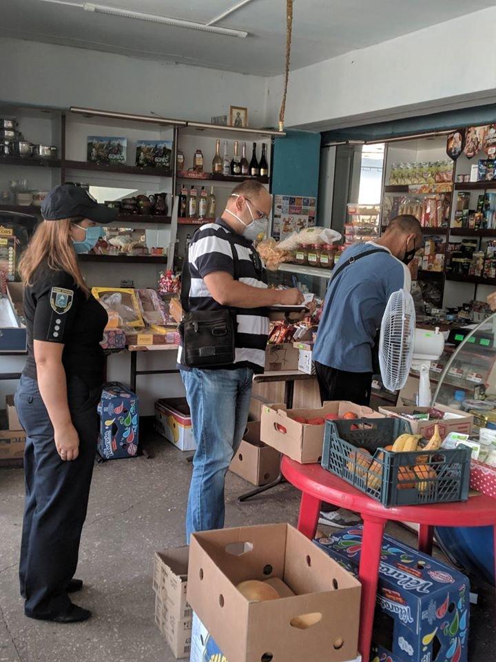 На Конотопщині перевіряли, чи носять маски в магазинах, фото-4