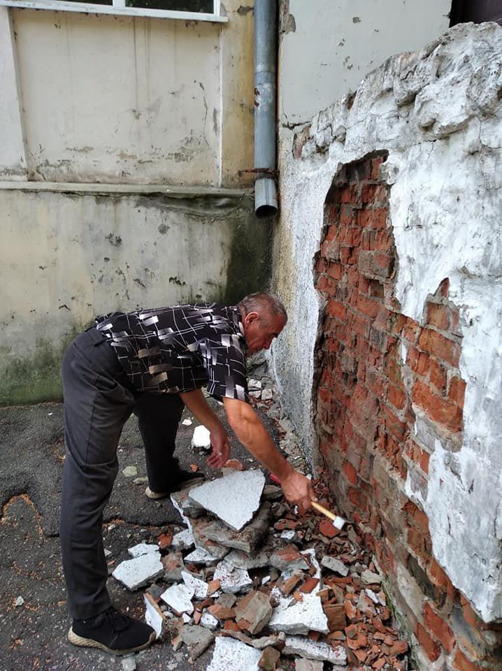 """У Конотопі ремонтують ганок буднику культури """"Зоряний""""+ФОТО, фото-2"""