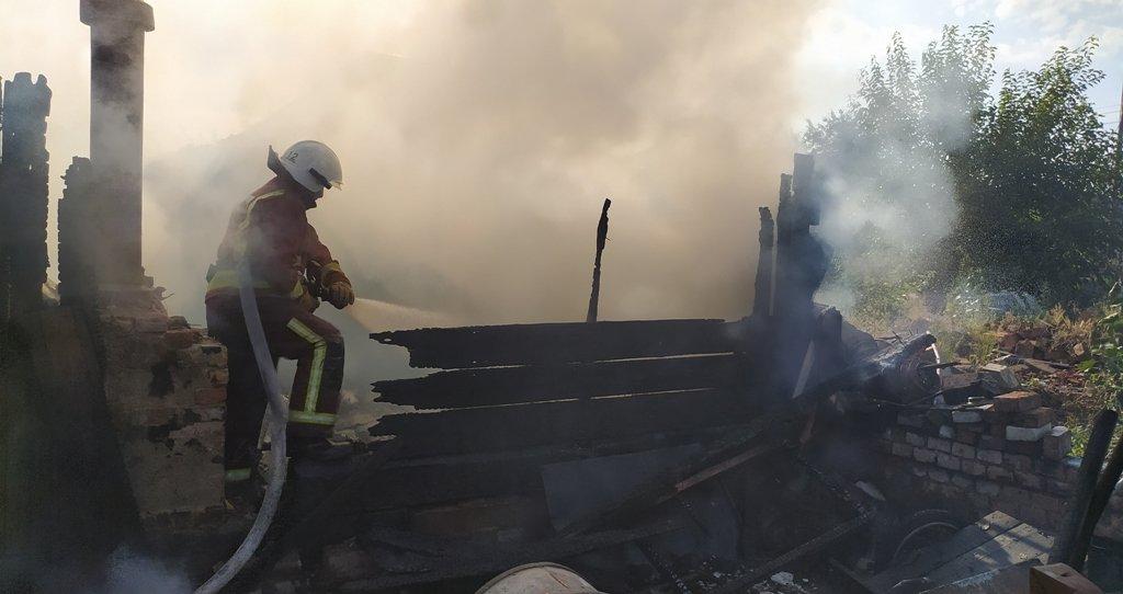 У Конотопі на пожежі постраждав чоловік, фото-2