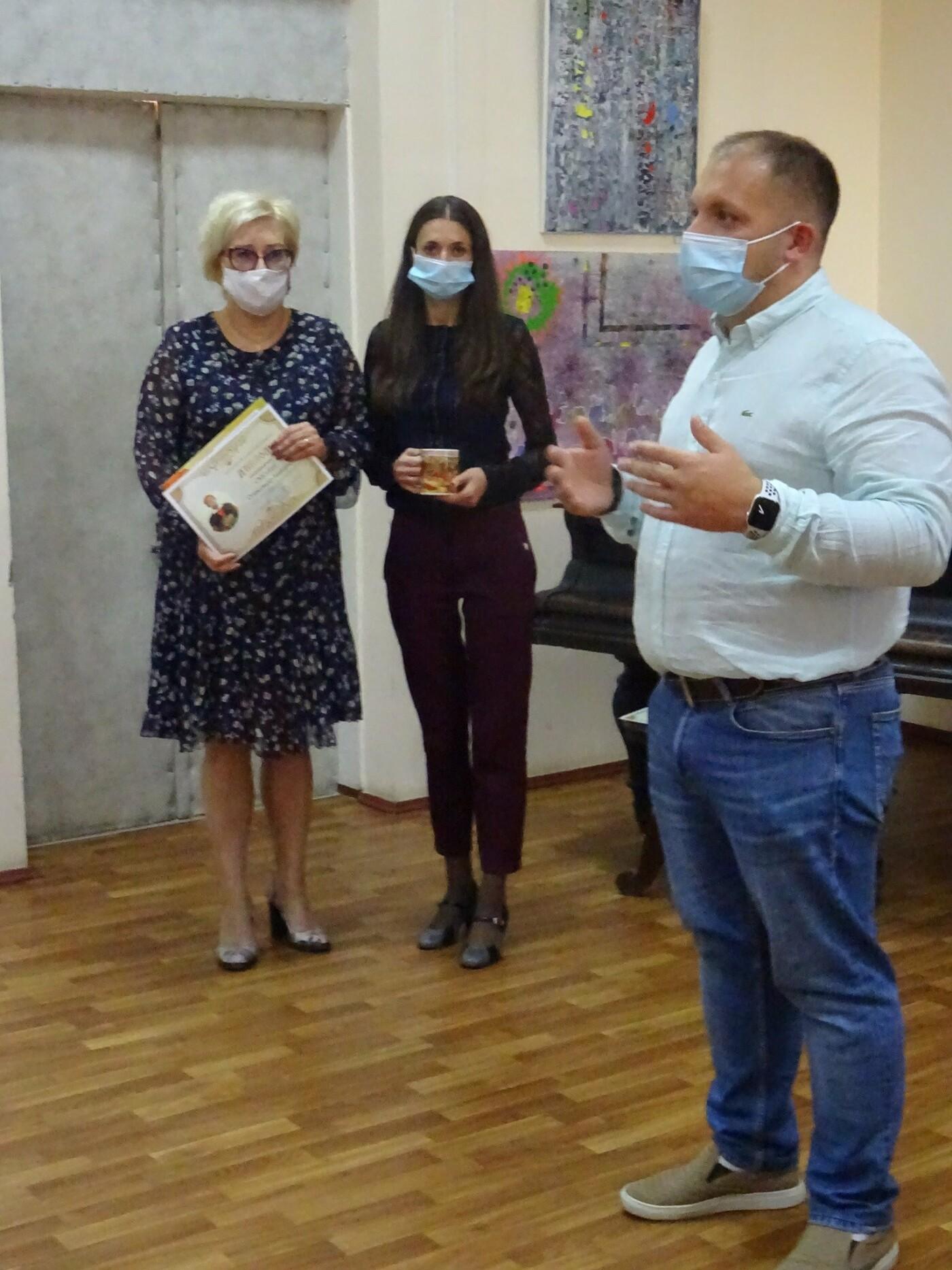"""Художники-учасники пленеру """"Барви Малевича"""" подарували свої роботи міському музею, фото-1"""