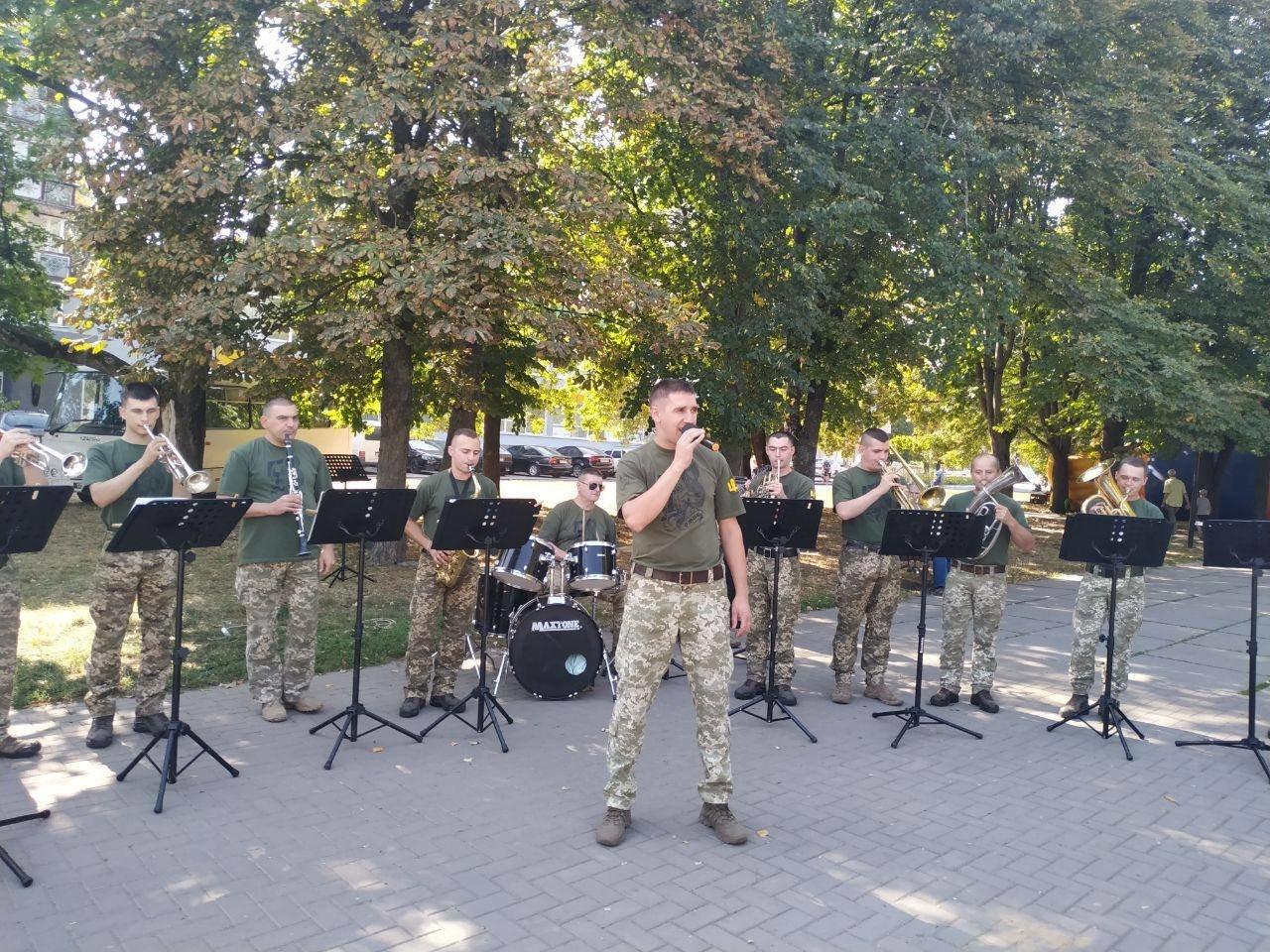 Військовий оркестр Конотопської 58-ї ОМПБр відзначає свій день народження, фото-2