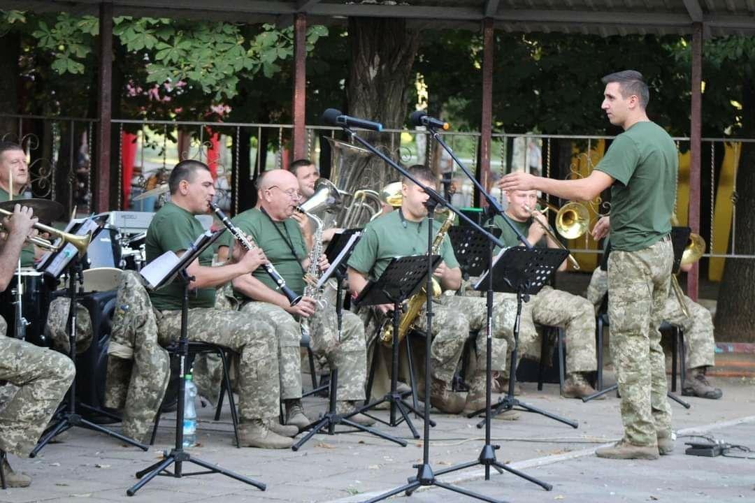 Військовий оркестр Конотопської 58-ї ОМПБр відзначає свій день народження, фото-3